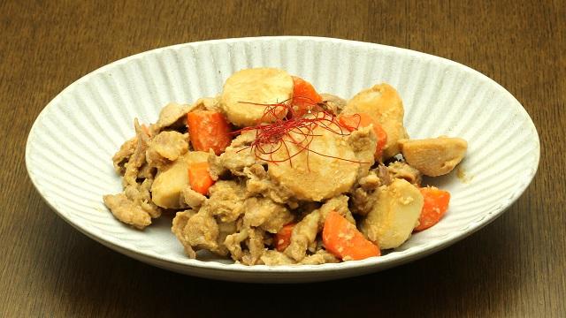 里芋と豚肉のごま味噌煮