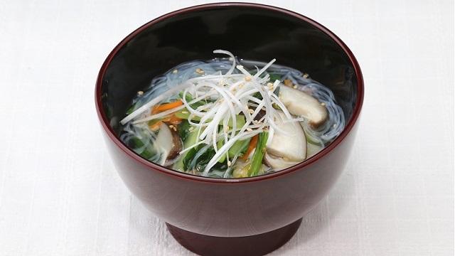 小松菜と春雨の中華スープ